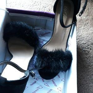 Shoes - Black fur heels